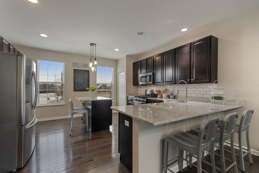 Real Estate Photography - 4048 POMPTON Avenue, Elgin, IL, 60124 - Kitchen