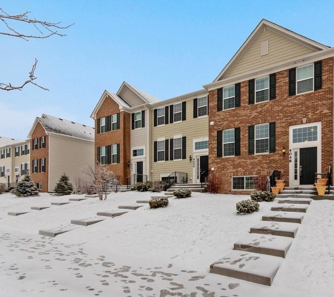 Real Estate Photography - 4048 POMPTON Avenue, Elgin, IL, 60124 - Front View