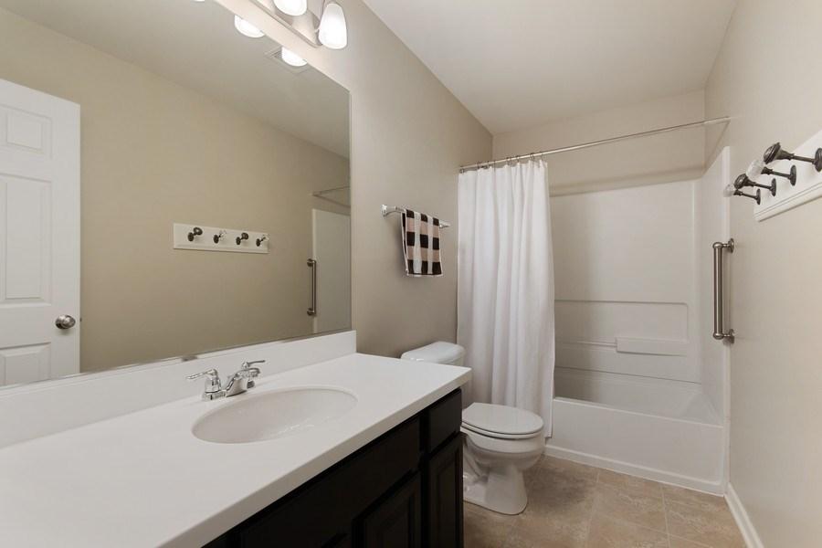 Real Estate Photography - 4048 POMPTON Avenue, Elgin, IL, 60124 - 2nd Bathroom