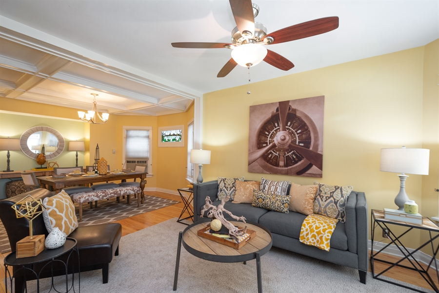 Real Estate Photography - 808 N. Humphrey Avenue, Oak Park, IL, 60302 - Living Room