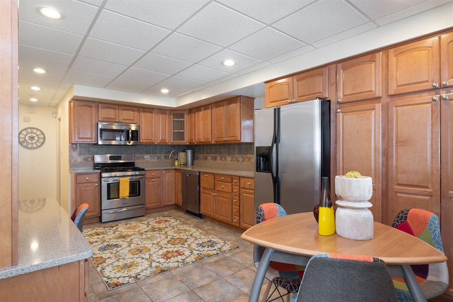 Real Estate Photography - 808 N. Humphrey Avenue, Oak Park, IL, 60302 - Kitchen