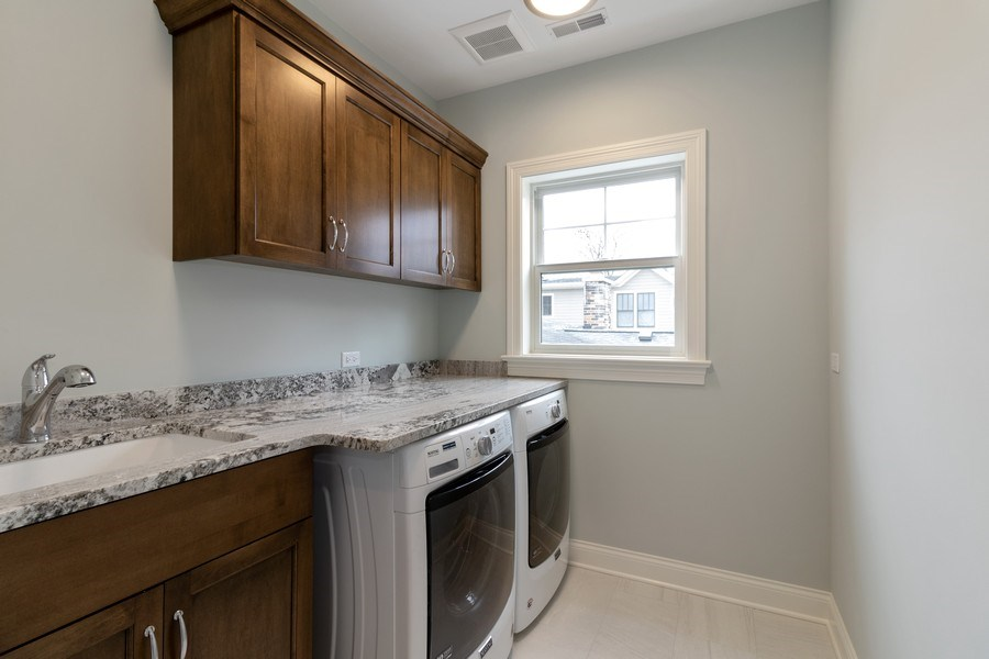 Real Estate Photography - 1513 George Street, Downers Grove, IL, 60516 - Laundry Room
