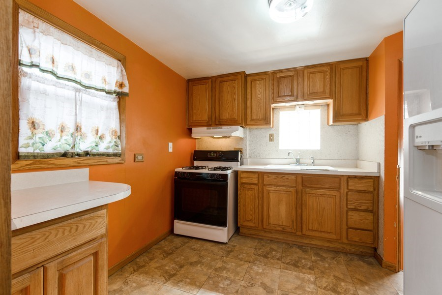 Real Estate Photography - 3601 S. 56th Court, Cicero, IL, 60804 - Kitchen