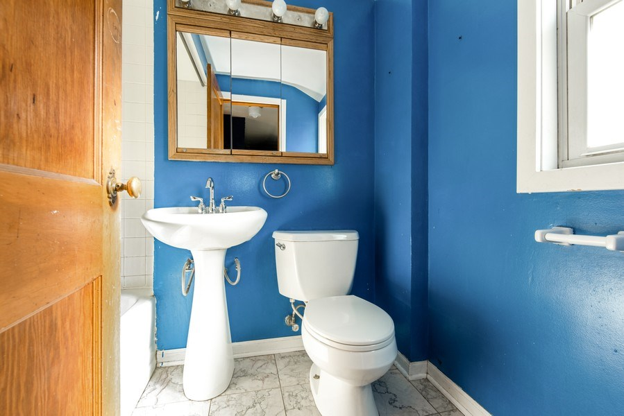 Real Estate Photography - 3601 S. 56th Court, Cicero, IL, 60804 - 2nd Floor Full Bathroom