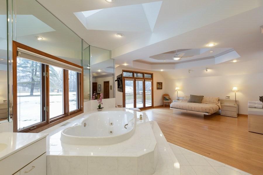 Real Estate Photography - 37 Braeburn Lane, Barrington Hills, IL, 60010 - Master Bathroom