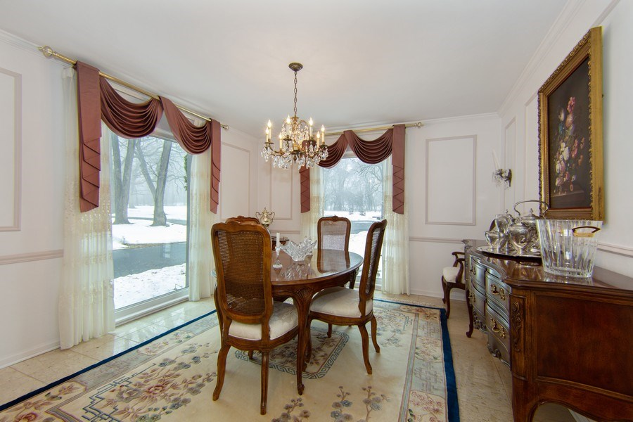 Real Estate Photography - 37 Braeburn Lane, Barrington Hills, IL, 60010 - Dining Room