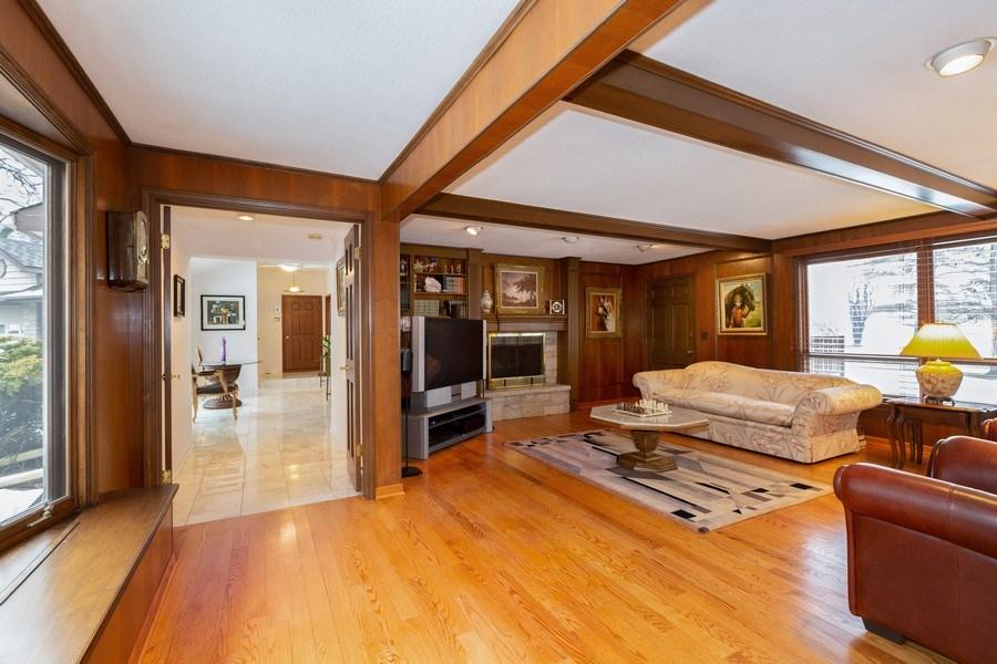 Real Estate Photography - 37 Braeburn Lane, Barrington Hills, IL, 60010 - Family Room