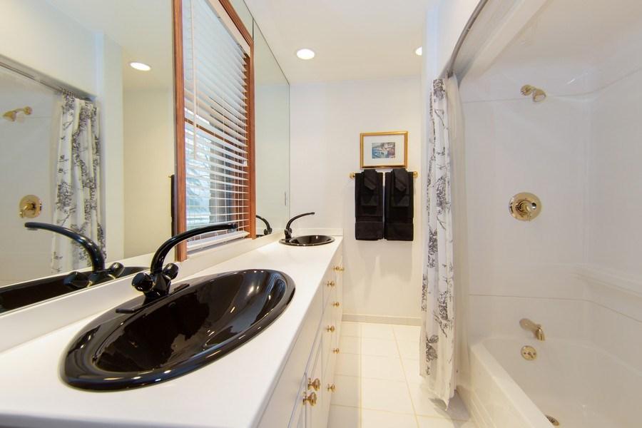 Real Estate Photography - 37 Braeburn Lane, Barrington Hills, IL, 60010 - 2nd Bathroom