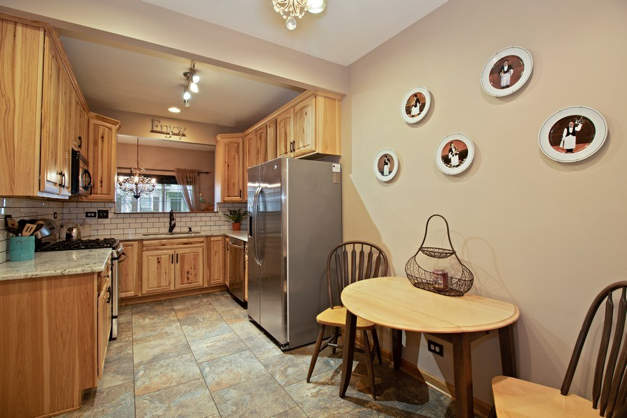 Real Estate Photography - 2334 Reflections Drive, Aurora, IL, 60502 - Kitchen