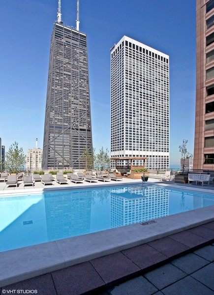 Real Estate Photography - 777 N. Michigan Avenue, Unit 2101, Chicago, IL, 60611 - Rooftop Pool