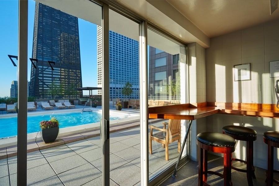 Real Estate Photography - 777 N. Michigan Avenue, Unit 2101, Chicago, IL, 60611 - Sun Deck