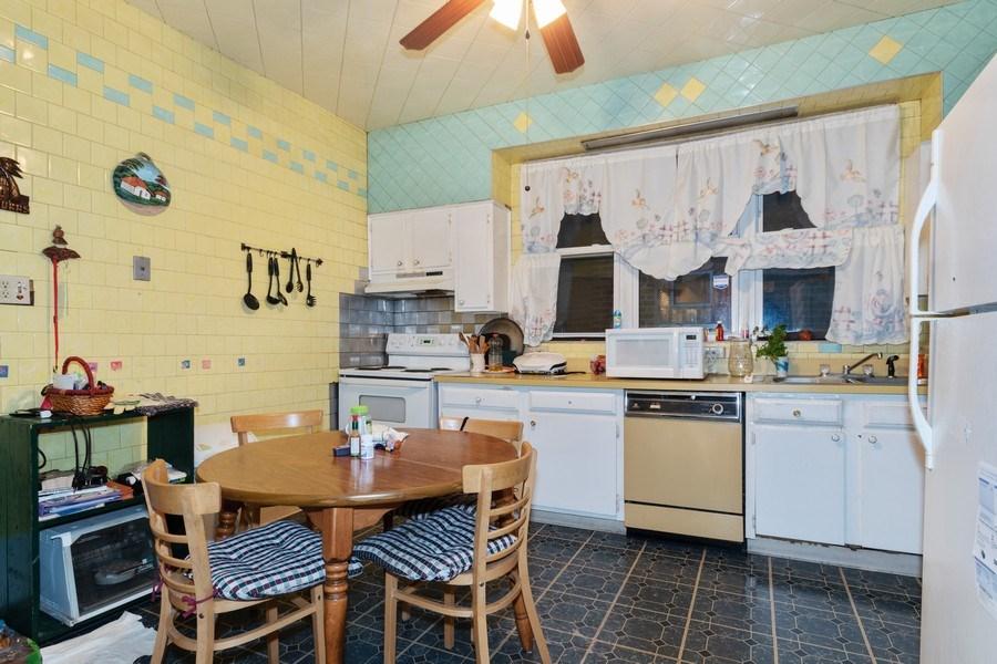 Real Estate Photography - 2445 Euclid Avenue, Berwyn, IL, 60402 - Kitchen