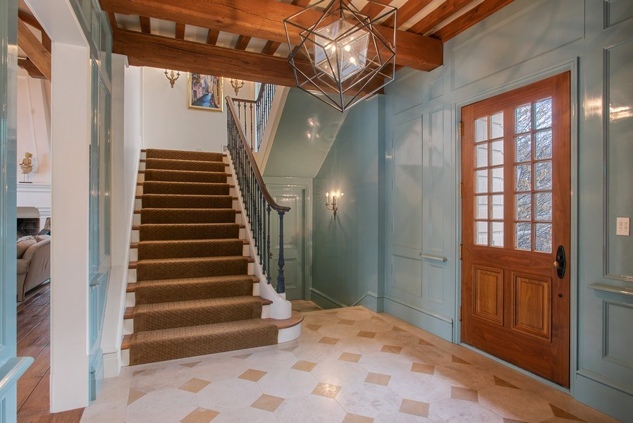 Real Estate Photography - 111 E. ONWENTSIA Road, Lake Forest, IL, 60045 - Foyer