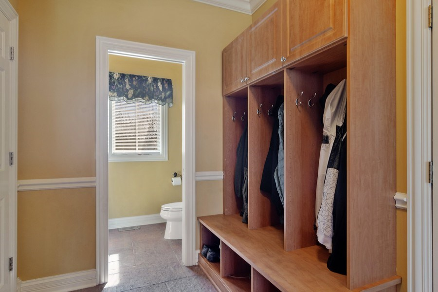Real Estate Photography - 15 Woodview Lane, Inverness, IL, 60067 - Locker Room