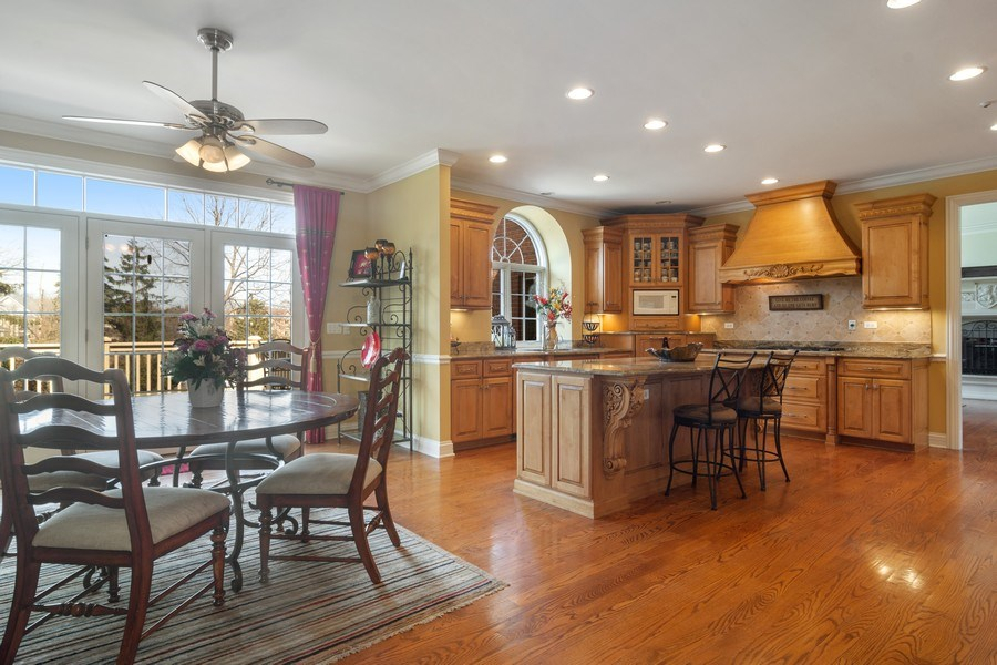 Real Estate Photography - 15 Woodview Lane, Inverness, IL, 60067 - Breakfast Room/Kitchen