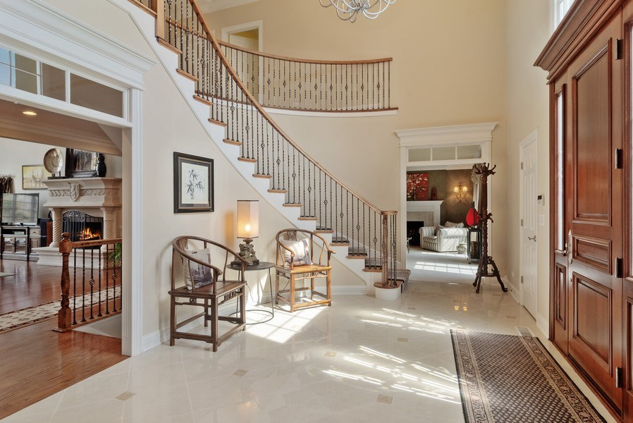 Real Estate Photography - 15 Woodview Lane, Inverness, IL, 60067 - Foyer