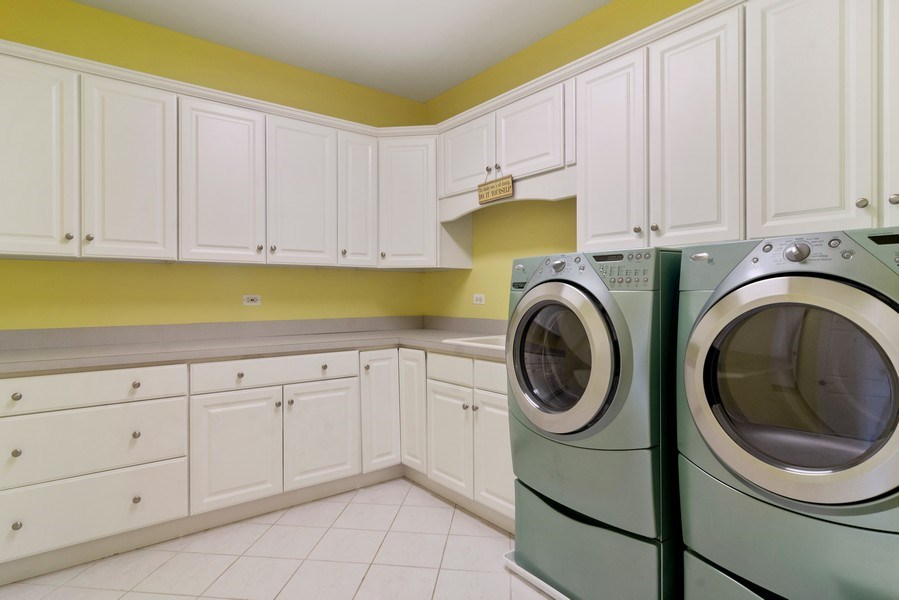 Real Estate Photography - 15 Woodview Lane, Inverness, IL, 60067 - Laundry Room