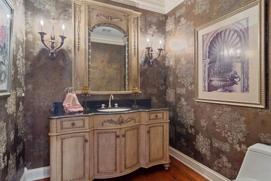 Real Estate Photography - 15 Woodview Lane, Inverness, IL, 60067 - Half Bath