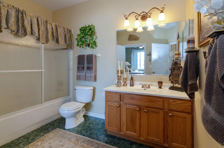 Real Estate Photography - 7321 Grandview Court, Unit 7321, Carpentersville, IL, 60110 - Master Bathroom