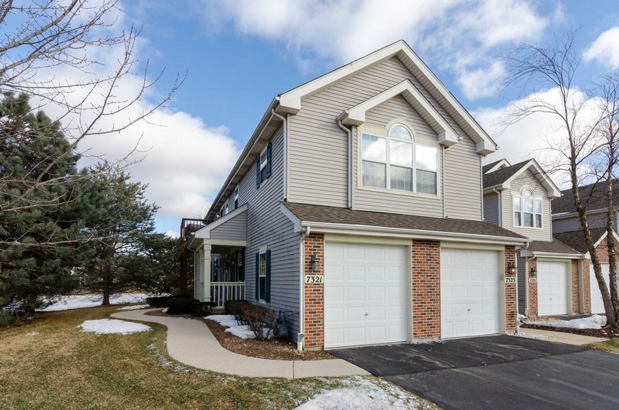 Real Estate Photography - 7321 Grandview Court, Unit 7321, Carpentersville, IL, 60110 - Front View