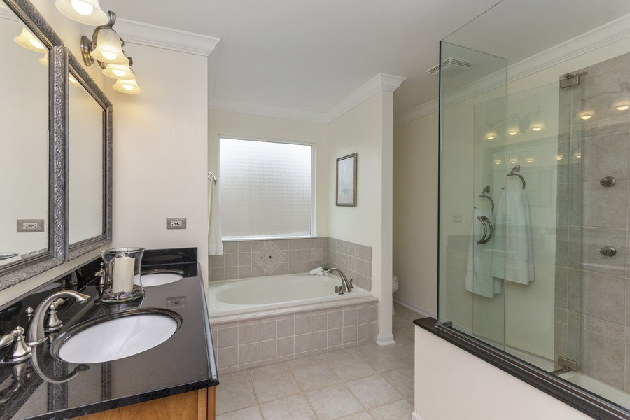 Real Estate Photography - 2400 Mckenzie Court, Aurora, IL, 60503 - Master Bathroom