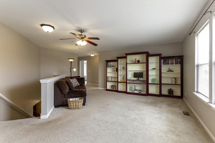 Real Estate Photography - 2400 Mckenzie Court, Aurora, IL, 60503 - Loft