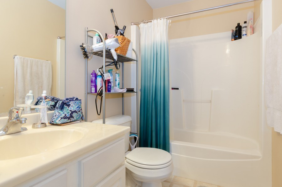 Real Estate Photography - 3633 Sonoma Circle, Lake In The Hills, IL, 60156 - 2nd Bathroom