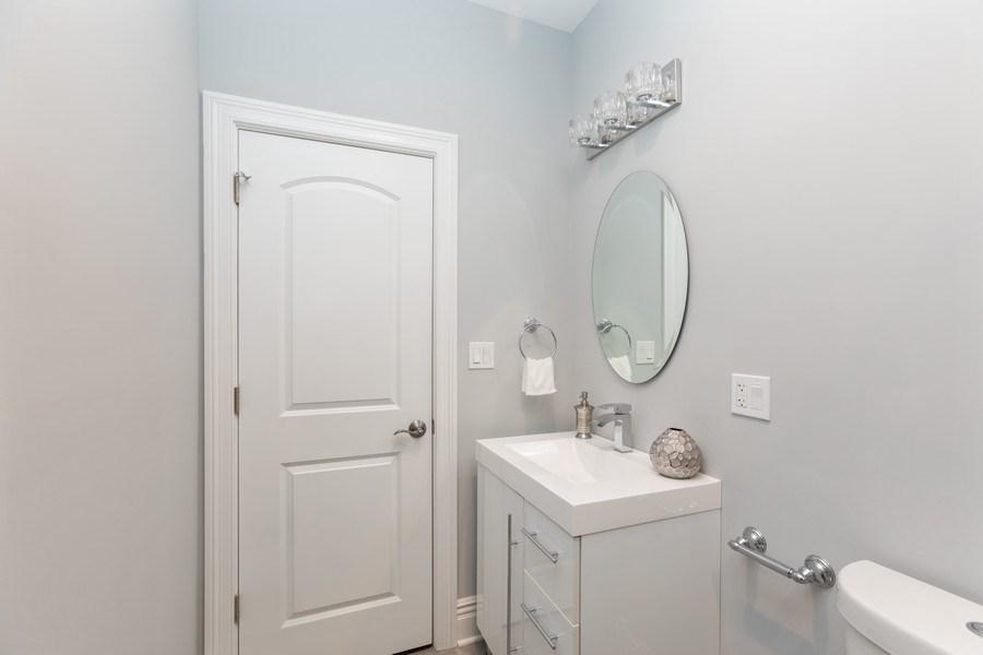 Real Estate Photography - 4607 S. Calumet Avenue, Chicago, IL, 60653 - 4th Bathroom
