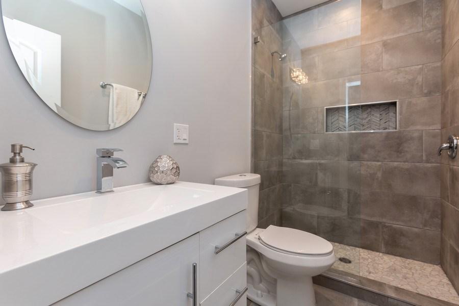 Real Estate Photography - 4607 S. Calumet Avenue, Chicago, IL, 60653 - Bathroom