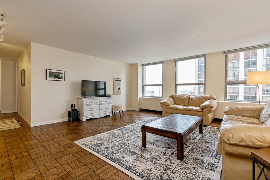 Real Estate Photography - 2626 N. Lakeview Avenue, Unit 1801, Chicago, IL, 60614 - Living Room