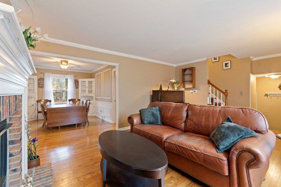 Real Estate Photography - 204 E. 14th Avenue, Naperville, IL, 60563 - Living Room