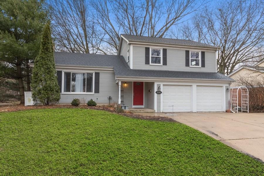 Real Estate Photography - 204 E. 14th Avenue, Naperville, IL, 60563 - Front View