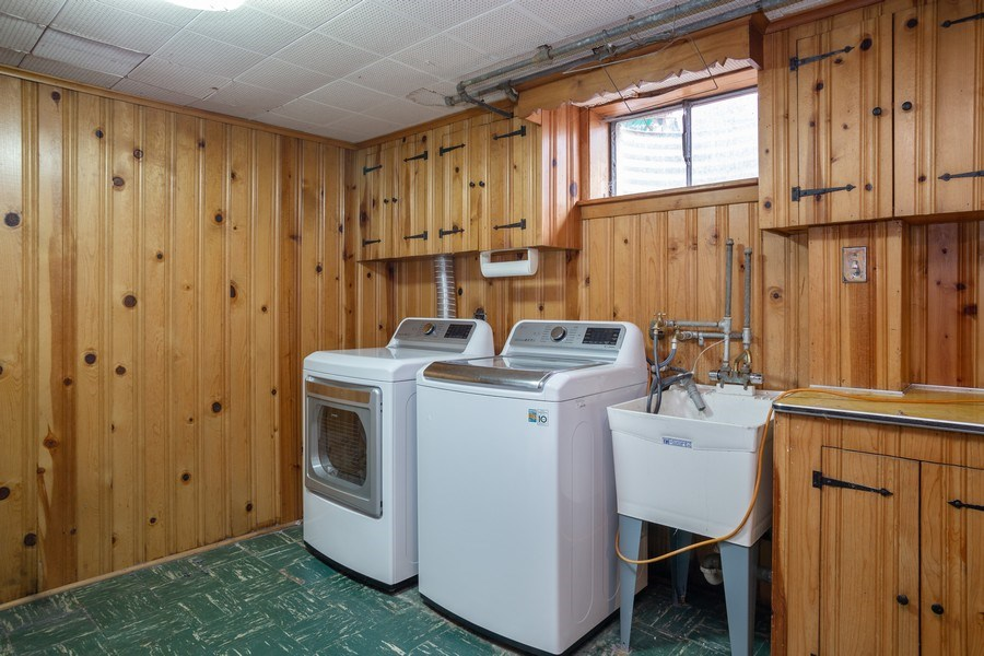 Real Estate Photography - 145 Cornell Avenue, Des Plaines, IL, 60016 - Laundry Room