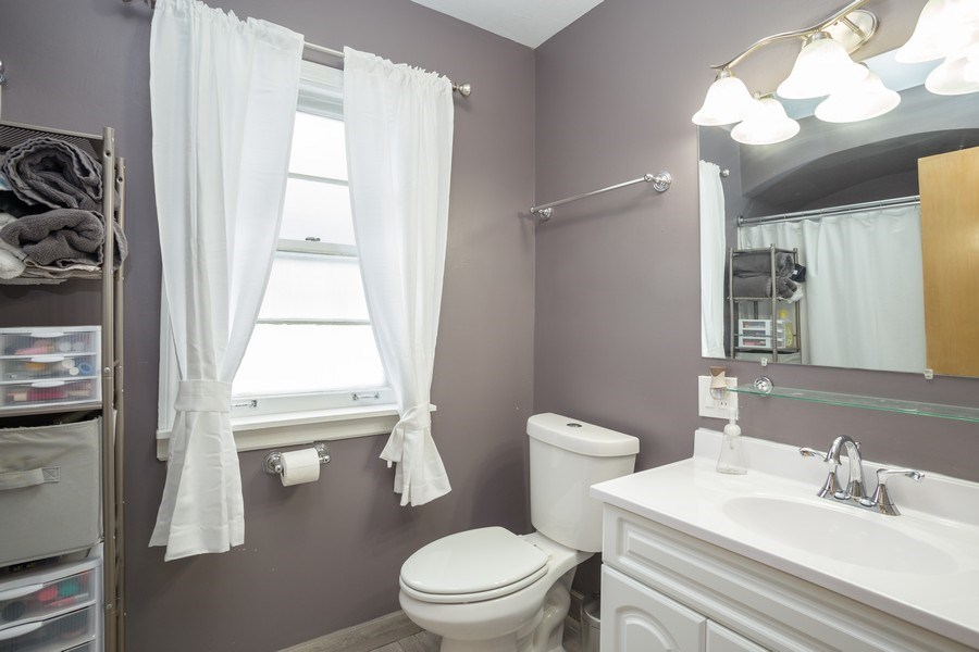 Real Estate Photography - 145 Cornell Avenue, Des Plaines, IL, 60016 - Bathroom