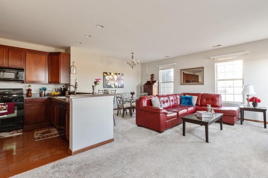 Real Estate Photography - 361 S. Litchfield Drive, Unit 361, Round Lake, IL, 60073 - Kitchen