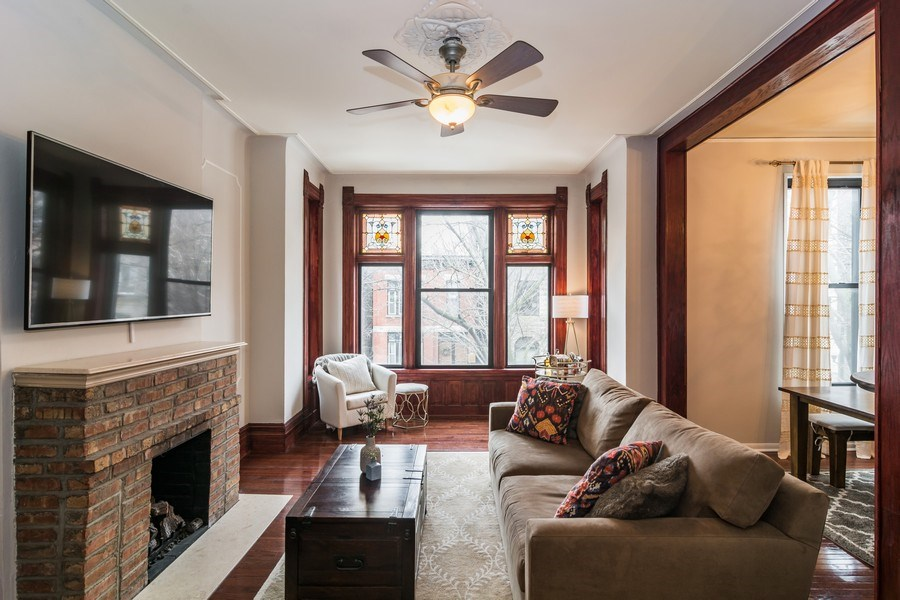 Real Estate Photography - 2121 N. Sheffield Avenue, Unit 2W, Chicago, IL, 60614 - Living Room