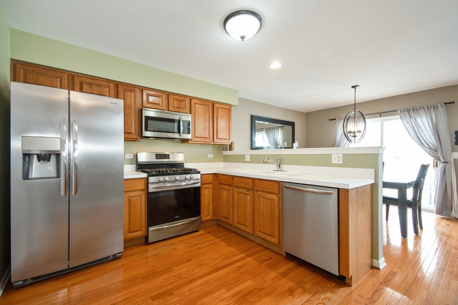 Real Estate Photography - 109 Ainsley Drive, West Chicago, IL, 60185 - Kitchen