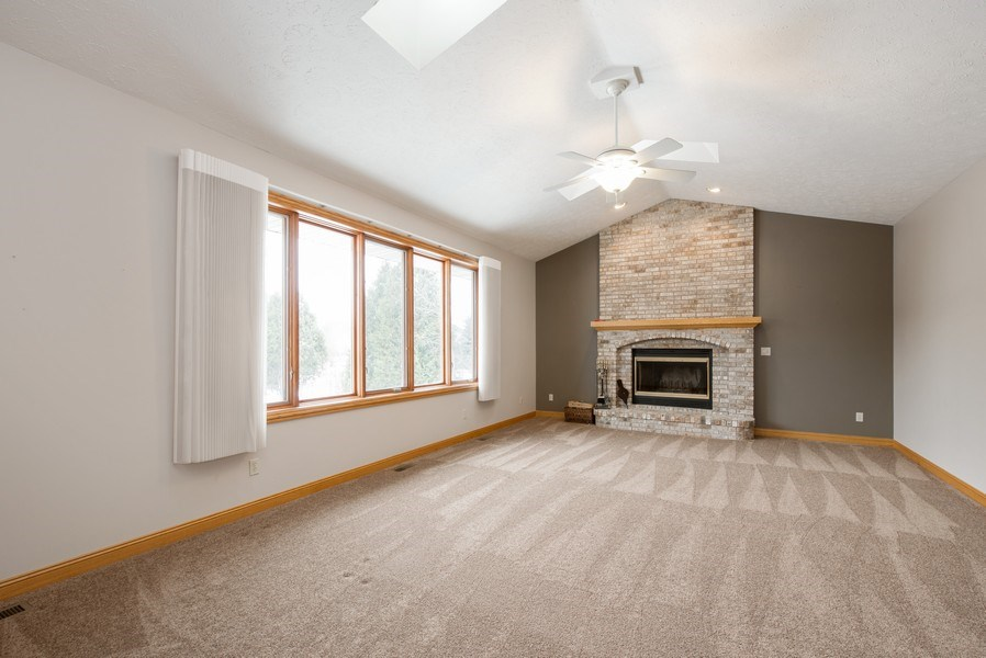 Real Estate Photography - 1043 Devonshire Drive, Sycamore, IL, 60178 - Family Room
