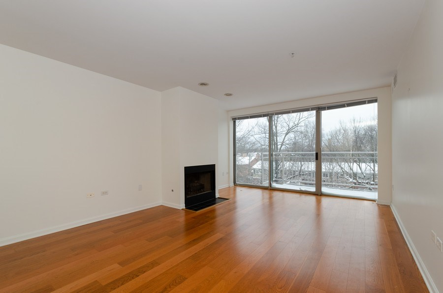 Real Estate Photography - 705 11th Street, Unit 405, Wilmette, IL, 60091 - Living Room