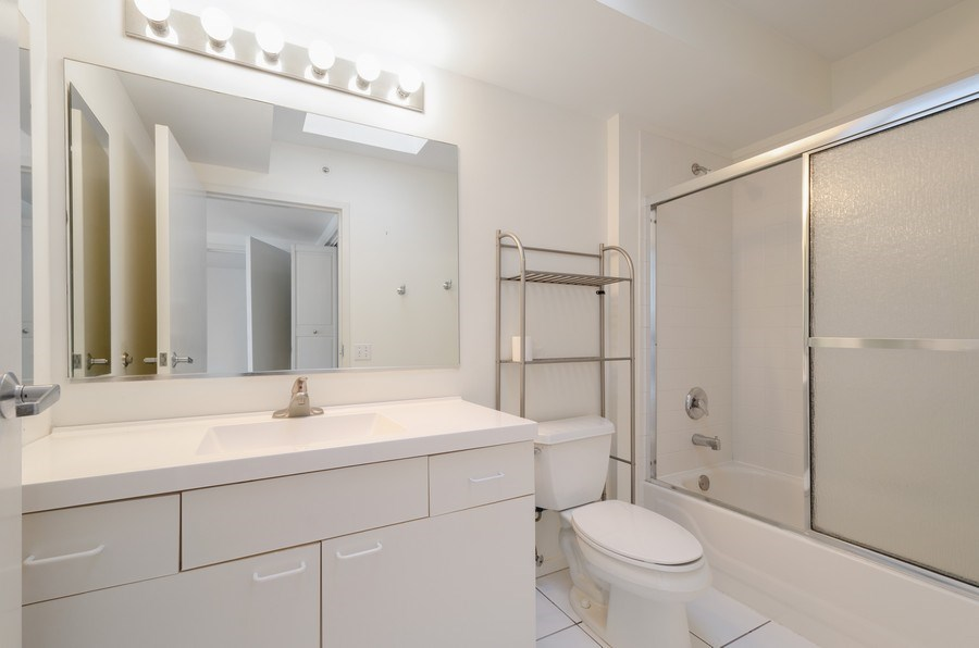 Real Estate Photography - 705 11th Street, Unit 405, Wilmette, IL, 60091 - Master Bathroom