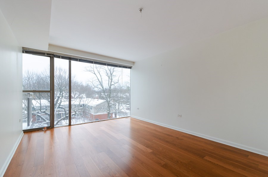 Real Estate Photography - 705 11th Street, Unit 405, Wilmette, IL, 60091 - Master Bedroom