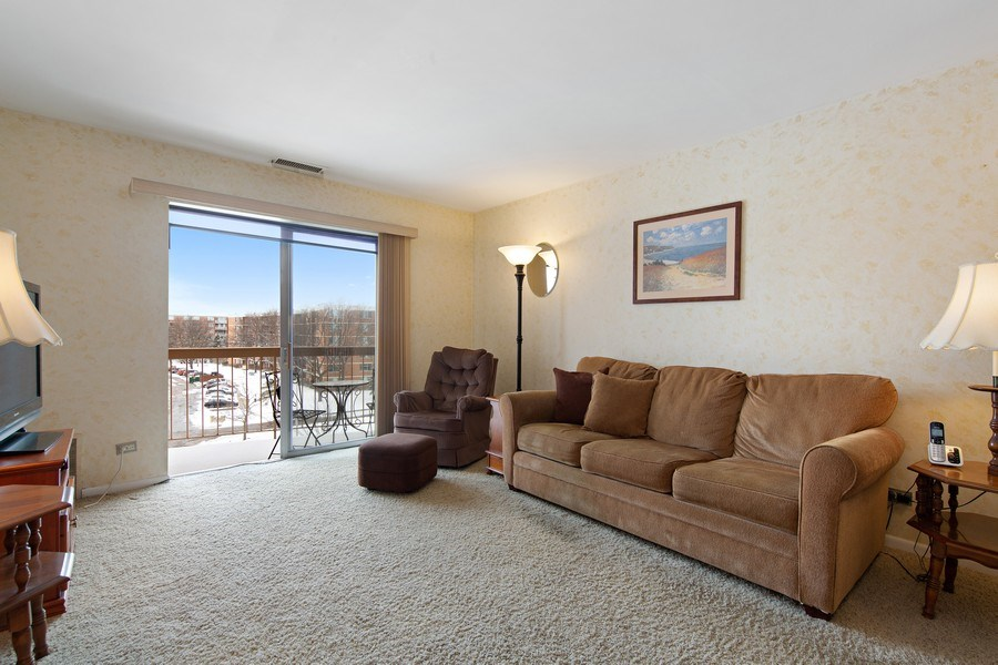 Real Estate Photography - 2201 S. Grace Street, Unit 507, Lombard, IL, 60148 - Living Room