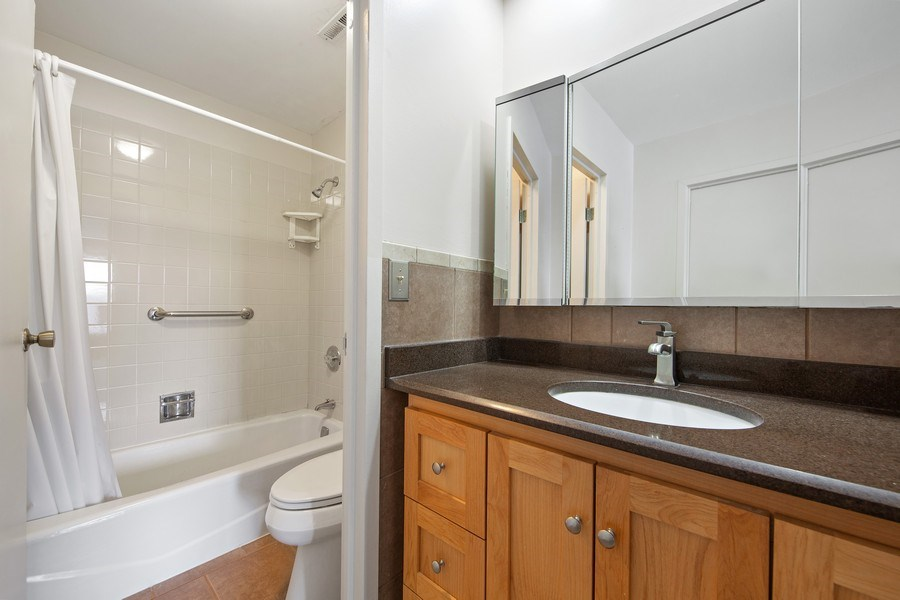 Real Estate Photography - 2201 S. Grace Street, Unit 507, Lombard, IL, 60148 - Master Bathroom