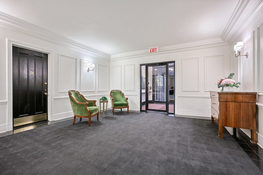 Real Estate Photography - 230 E. Delaware Place, Unit 6E, Chicago, IL, 60611 - Lobby