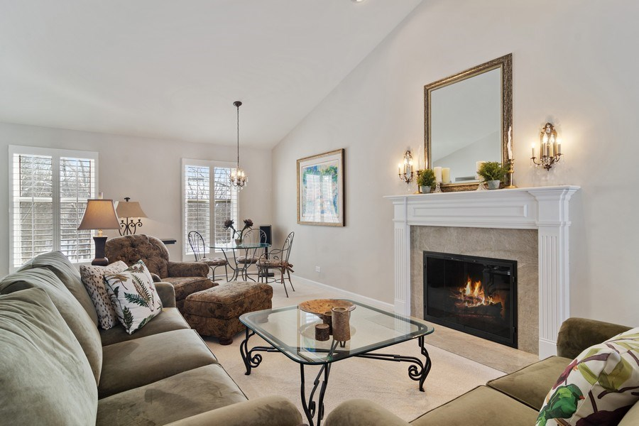 Real Estate Photography - 129 KNOCKDERRY Lane, Inverness, IL, 60067 - Living Room