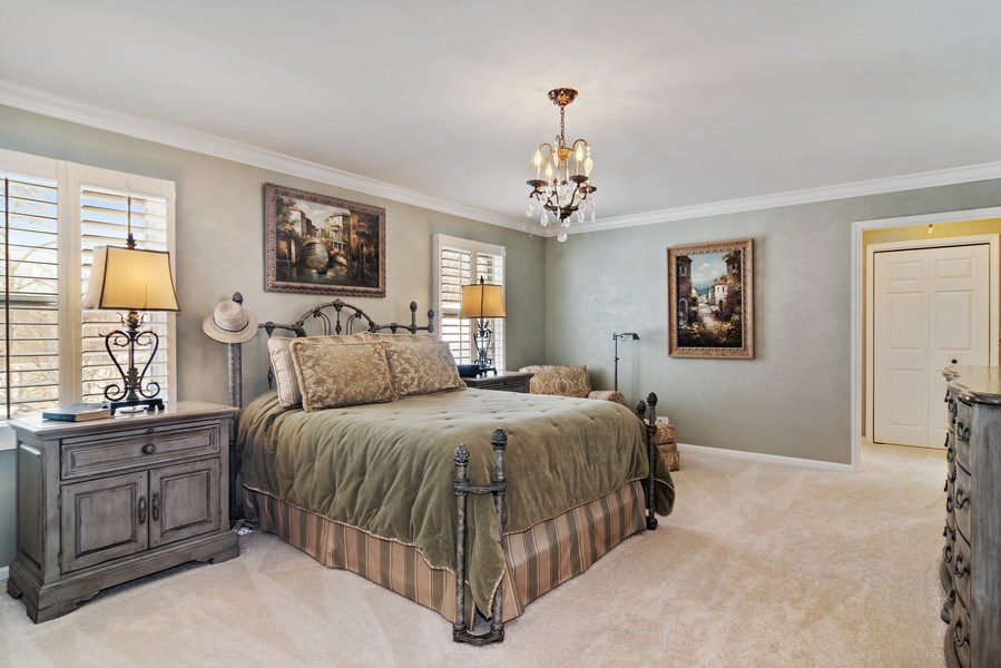 Real Estate Photography - 129 KNOCKDERRY Lane, Inverness, IL, 60067 - Master Bedroom