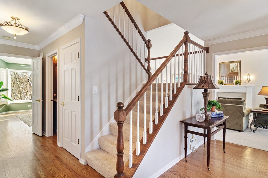 Real Estate Photography - 129 KNOCKDERRY Lane, Inverness, IL, 60067 - Foyer