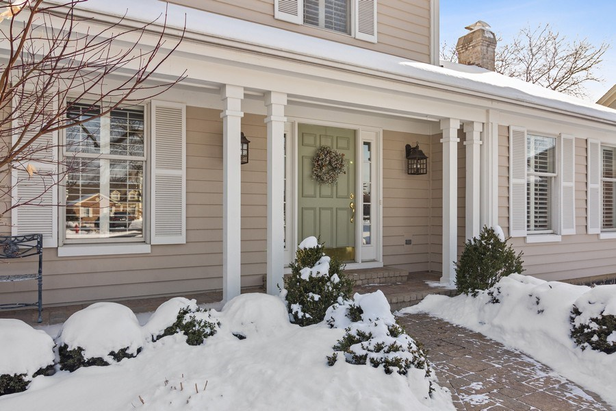 Real Estate Photography - 129 KNOCKDERRY Lane, Inverness, IL, 60067 - Front View