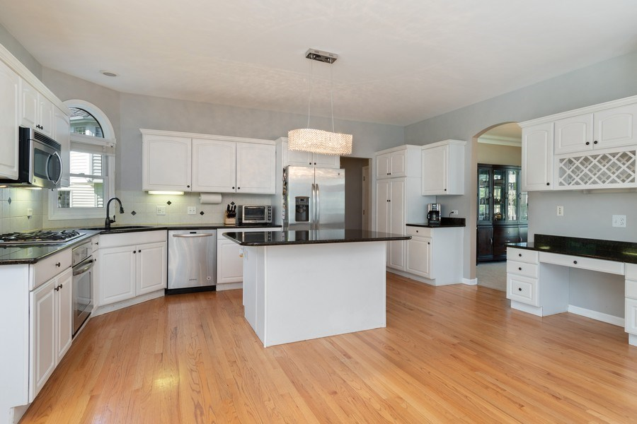 Real Estate Photography - 2220 Palmer Circle, Naperville, IL, 60564 - Kitchen