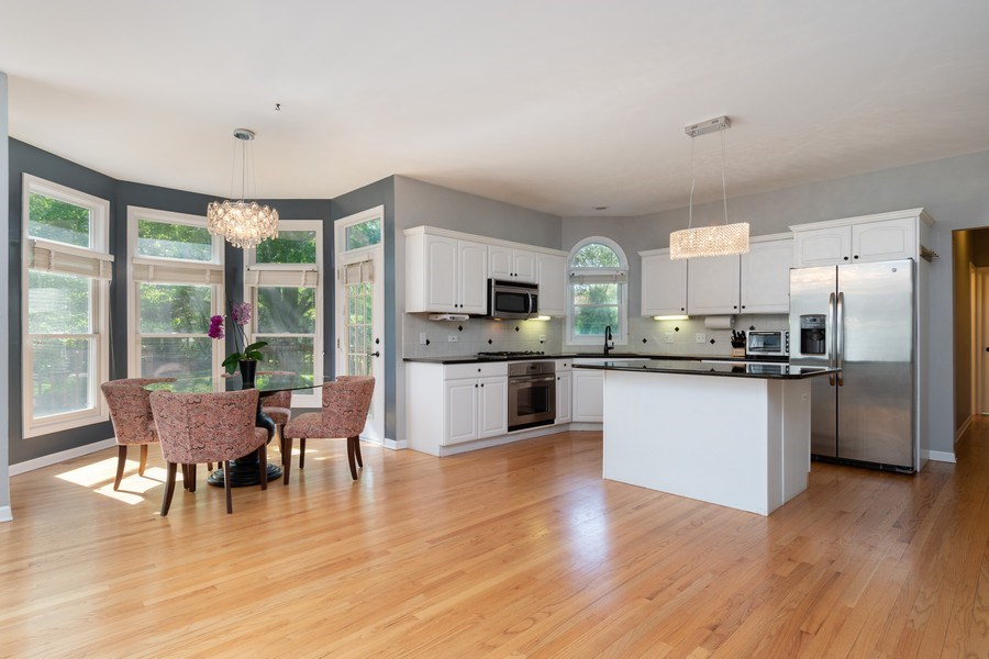 Real Estate Photography - 2220 Palmer Circle, Naperville, IL, 60564 - Kitchen / Breakfast Room